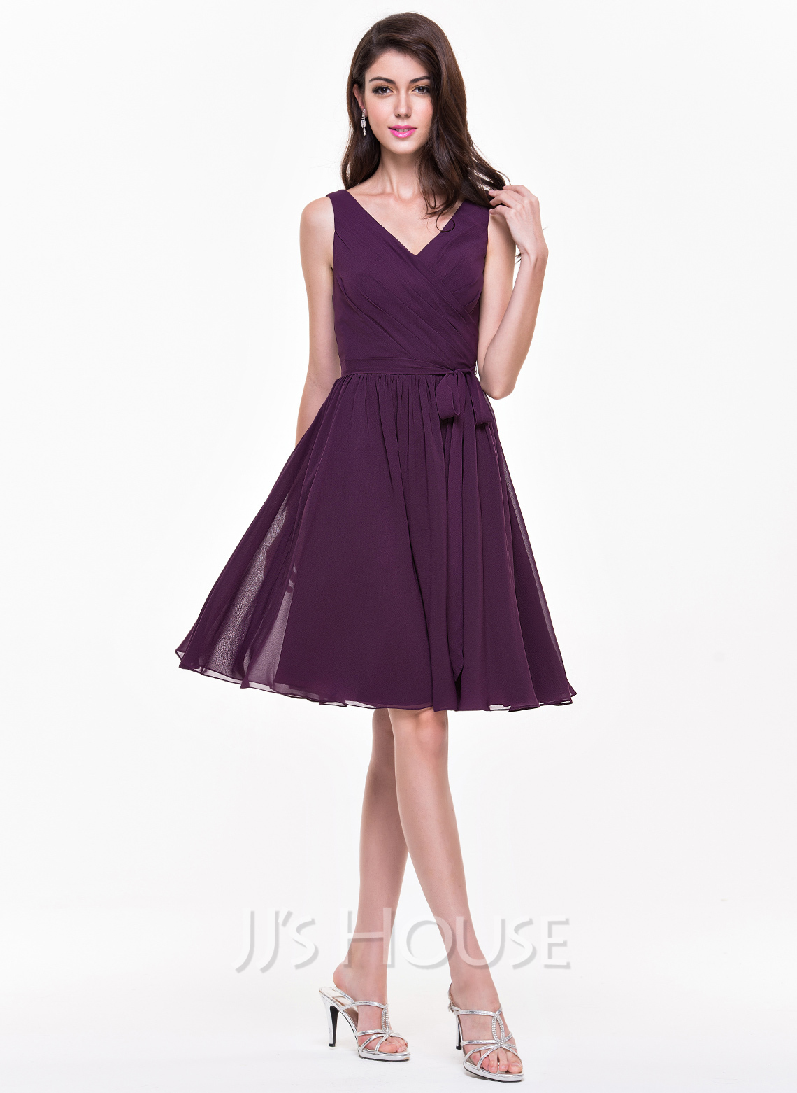 V-neck Knee-Length Chiffon Bridesmaid Dress With Ruffle Bow(s)