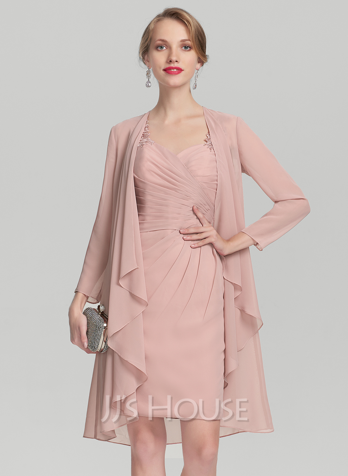 Sheath/Column Sweetheart Knee-Length Chiffon Mother of the Bride Dress With Ruffle Lace