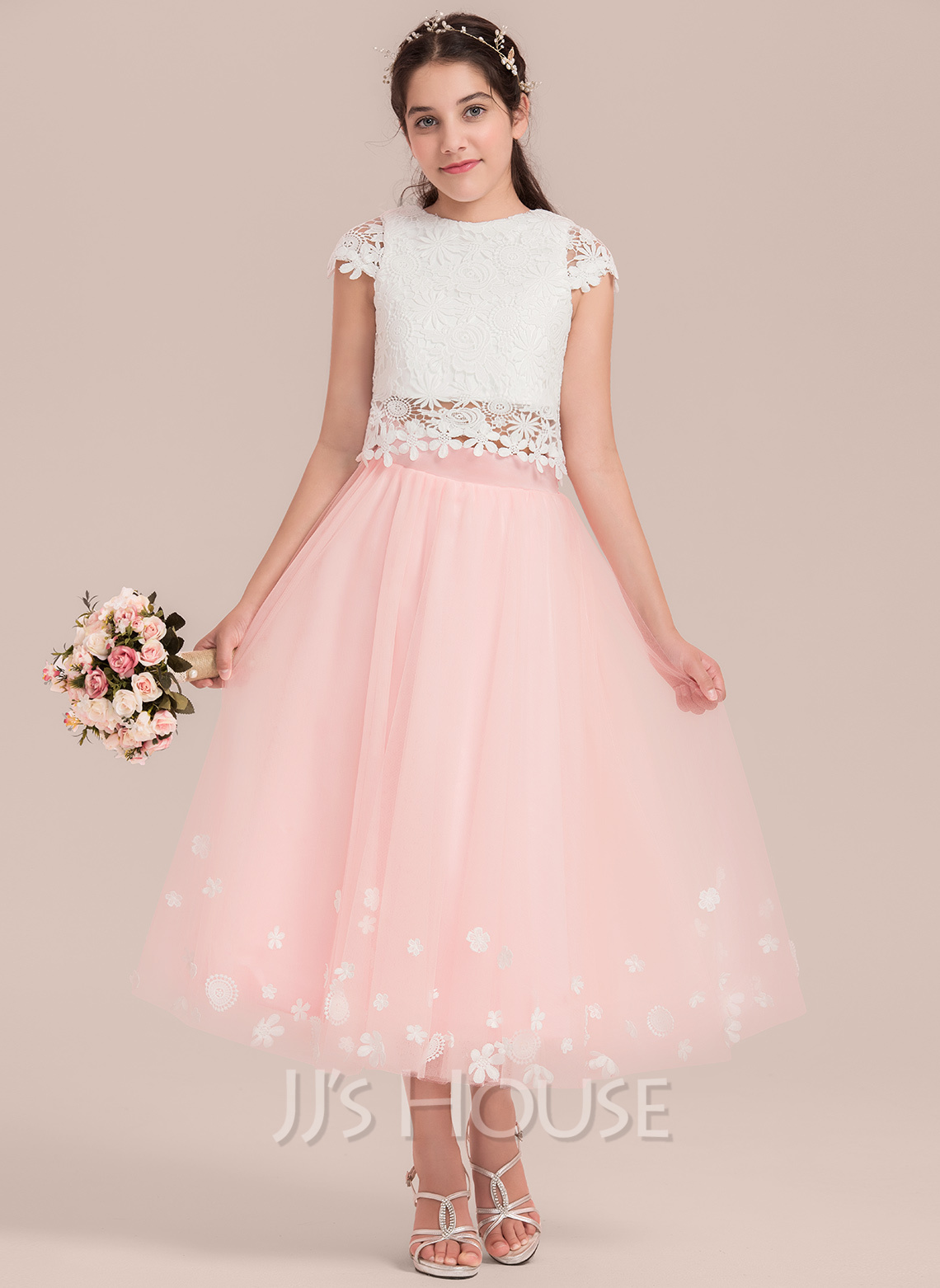 A-Line Scoop Neck Tea-Length Tulle Junior Bridesmaid Dress With Flower(s)