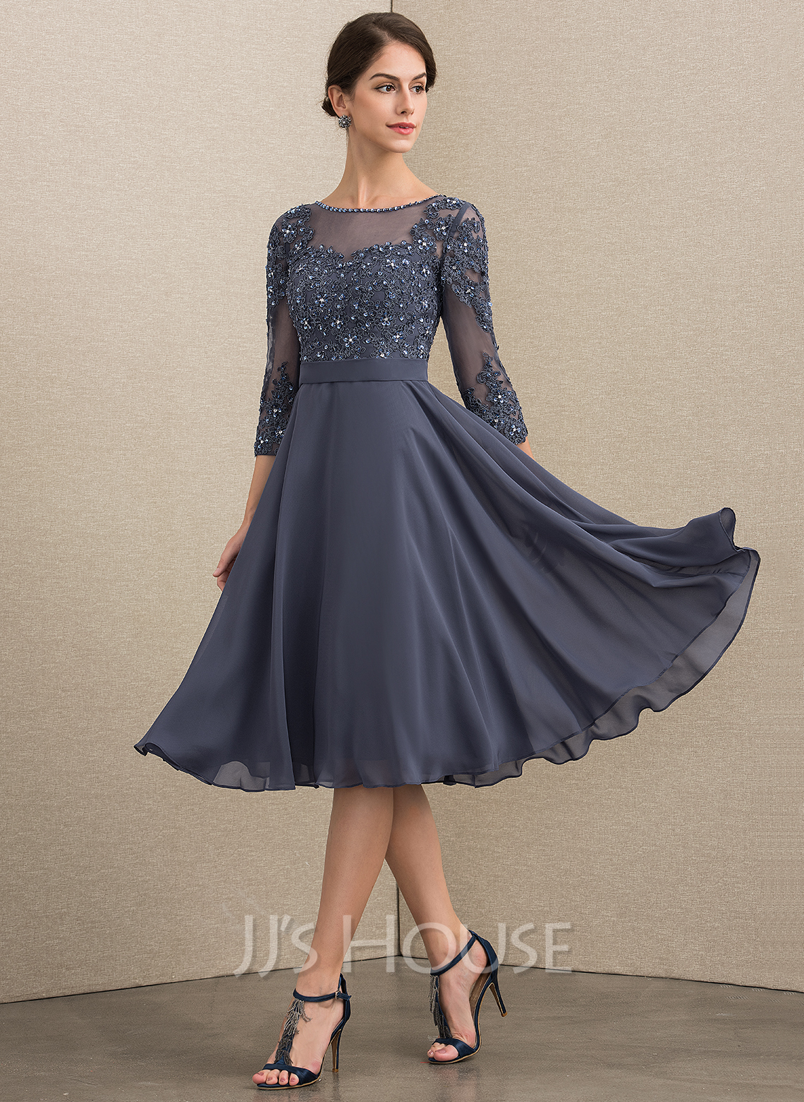 A Line Scoop Neck Knee Length Chiffon Lace Mother of the Bride Dress With Beading Sequins (008152149)