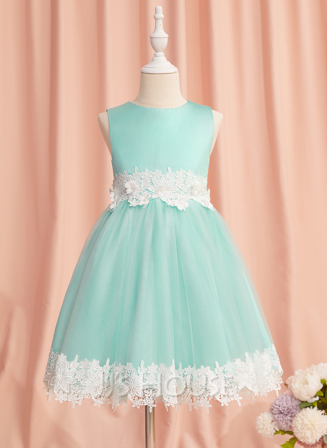 A-Line Knee-length Flower Girl Dress - Satin/Tulle Sleeveless Scoop Neck With Lace/Beading/Flower(s)