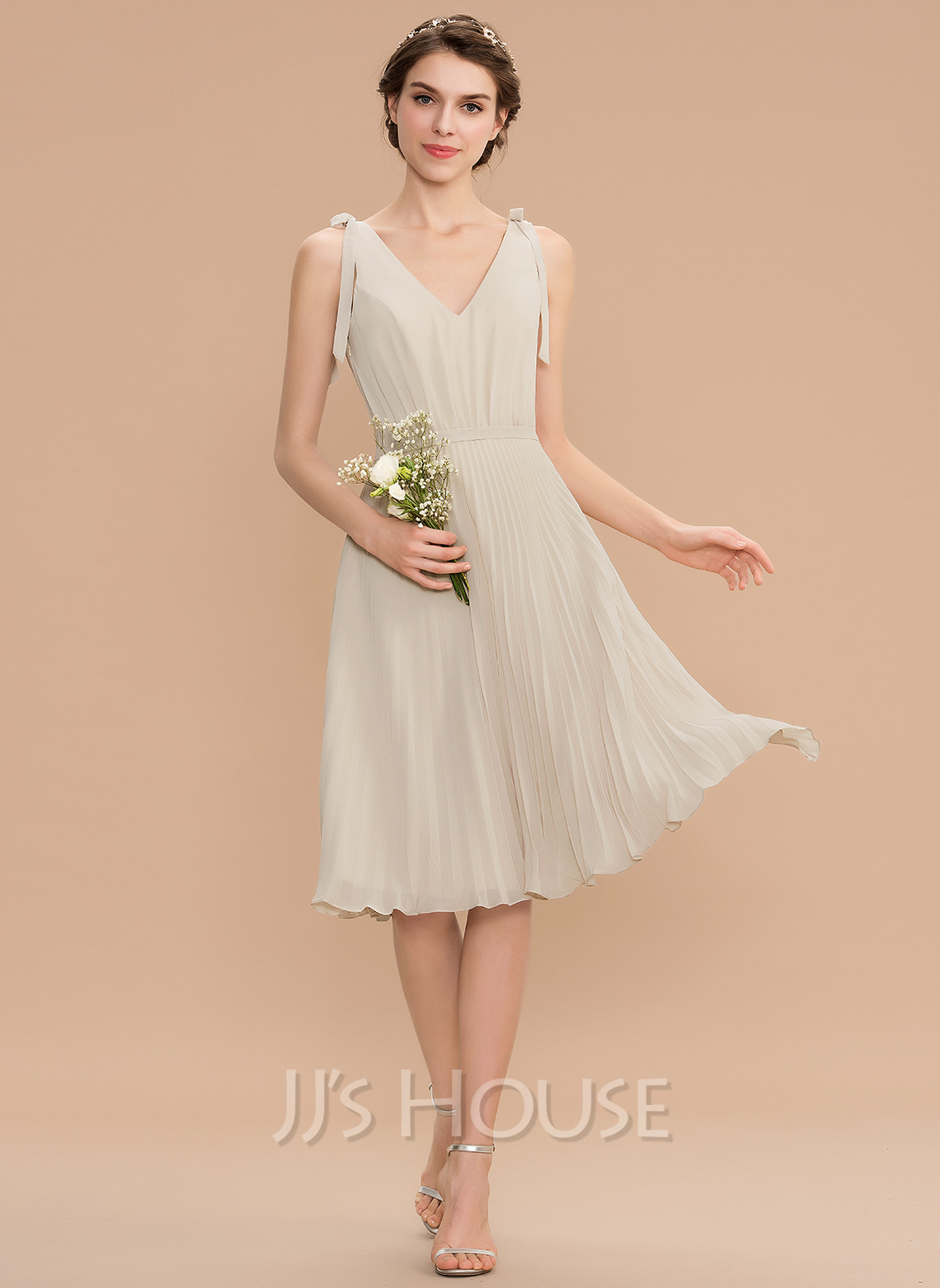 28bbe1b29885 A-Line V-neck Knee-Length Chiffon Bridesmaid Dress With Bow(s. Loading zoom