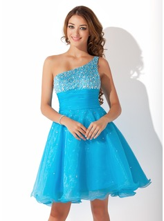 A-Line/Princess One-Shoulder Knee-Length Organza Homecoming Dress With Ruffle Beading Sequins