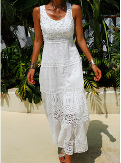 Lace Solid U-Neck Sleeveless Maxi Dresses
