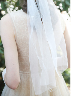 One-tier Cut Edge Chapel Bridal Veils With Beading