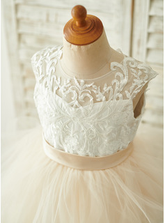 Ball-Gown/Princess Floor-length Flower Girl Dress - Tulle/Lace Sleeveless Scoop Neck (Undetachable sash)