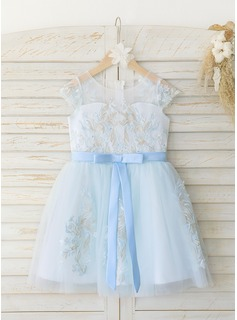A-Line Knee-length Flower Girl Dress - Satin/Tulle/Lace Sleeveless Scoop Neck With Bow(s)
