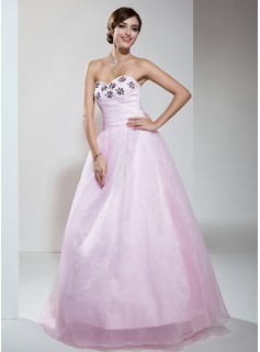A-Line/Princess Sweetheart Floor-Length Organza Quinceanera Dress With Ruffle Beading