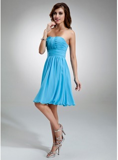 A-Line/Princess Sweetheart Knee-Length Chiffon Bridesmaid Dress With Ruffle
