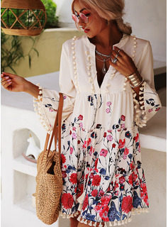 Floral Print Shift V-Neck 3/4 Sleeves Flare Sleeve Midi Casual Tunic Dresses