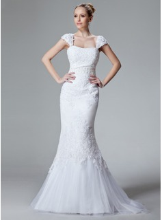 Trumpet/Mermaid Sweetheart Sweep Train Tulle Wedding Dress With Lace Beading
