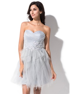 A-Line/Princess Sweetheart Short/Mini Tulle Homecoming Dress With Beading Appliques Lace Cascading Ruffles