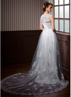 A-Line/Princess V-neck Chapel Train Tulle Wedding Dress With Lace Beading