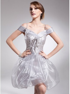 A-Line/Princess Off-the-Shoulder Short/Mini Organza Homecoming Dress With Ruffle Beading Sequins