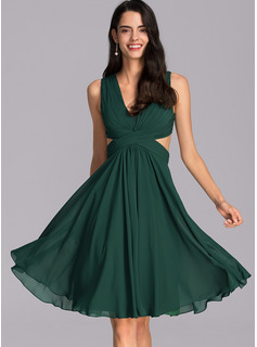 V-neck Knee-Length Chiffon Cocktail Dress With Ruffle