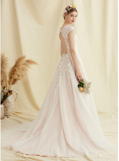 Ball-Gown/Princess V-neck Court Train Tulle Lace Wedding Dress With Flower(s)