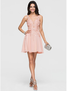A-Line/Princess V-neck Short/Mini Chiffon Cocktail Dress With Lace Beading