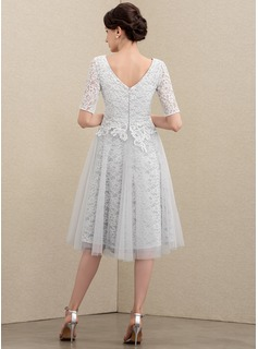 V-neck Knee-Length Tulle Lace Mother of the Bride Dress