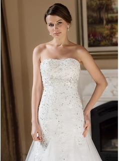 Trumpet/Mermaid Sweetheart Chapel Train Tulle Wedding Dress With Lace Beading Sequins