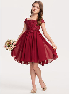 A-Line Knee-length - Chiffon/Lace Sleeveless Square Neckline With Bow(s)