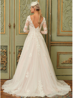 Ball-Gown/Princess V-neck Sweep Train Tulle Lace Wedding Dress