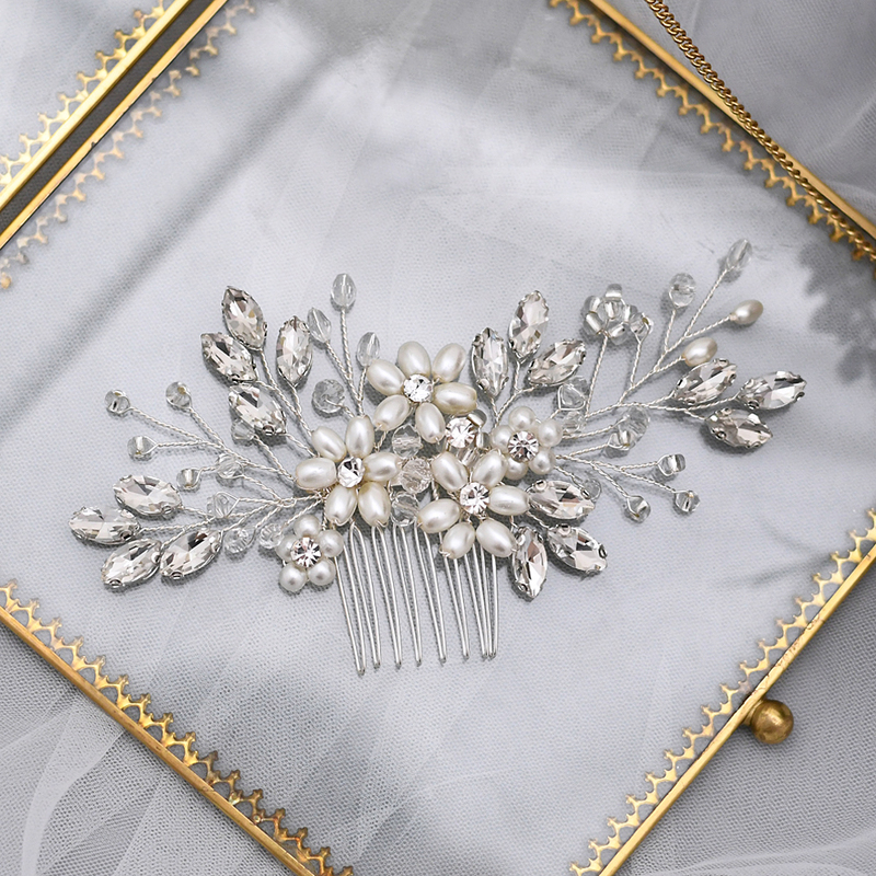 Ladies/Kids Beautiful Crystal/Rhinestone/Imitation Pearls Combs & Barrettes With Rhinestone/Venetian Pearl/Imitation Crystal (Sold in single piece)
