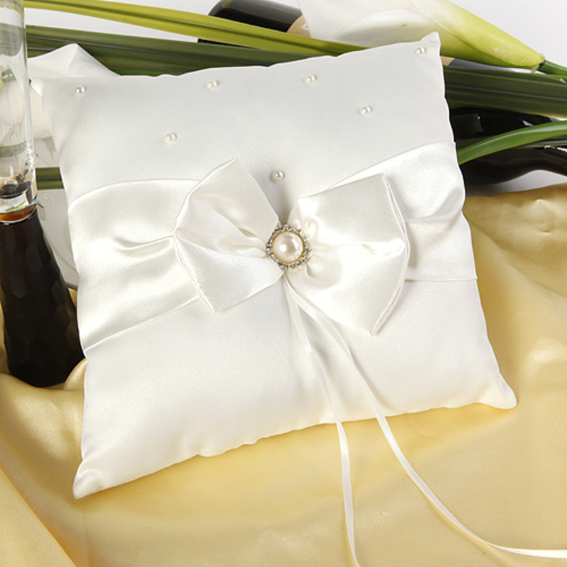 Ring Pillow in Satin With Bow/Faux Pearl