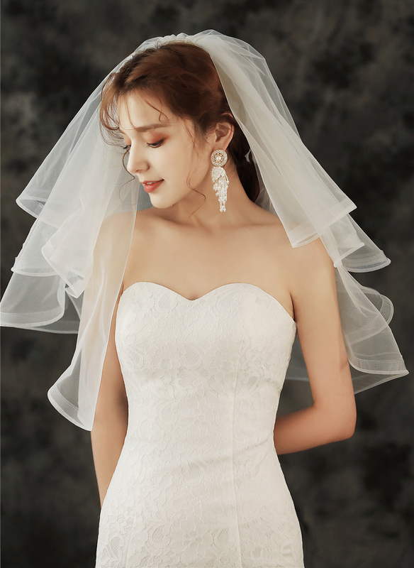 Four-tier Pencil Edge Elbow Bridal Veils