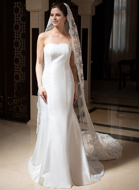 One-tier Lace Applique Edge Cathedral Bridal Veils With Embroidery/Beading/Sequin