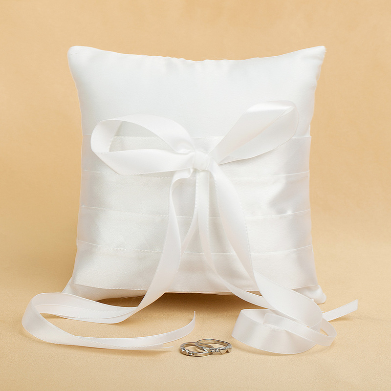 Ring Pillow in Satin With Sash/Bow