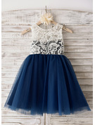 A-Line/Princess Scoop Neck Knee-Length Tulle Junior Bridesmaid Dress With Lace