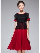 A-Line Scoop Neck Knee-Length Chiffon Mother of the Bride Dress With Bow(s)