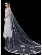One-tier Lace Applique Edge Cathedral Bridal Veils With Lace