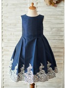 A-Line/Princess Knee-length Flower Girl Dress - Taffeta/Lace Sleeveless Scoop Neck