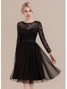 A-Line Scoop Neck Knee-Length Tulle Cocktail Dress
