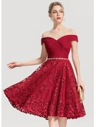 A-Line/Princess Off-the-Shoulder Knee-Length Lace Homecoming Dress With Ruffle Beading