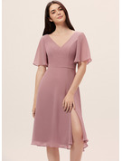 A-Line V-neck Knee-Length Chiffon Cocktail Dress With Split Front