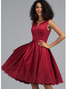 A-Line V-neck Knee-Length Satin Homecoming Dress With Appliques Lace