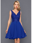 A-Line V-neck Knee-Length Chiffon Homecoming Dress With Sequins