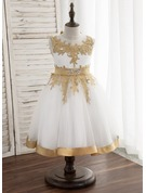 A-Line/Princess Knee-length Flower Girl Dress - Satin/Tulle/Lace Sleeveless Scoop Neck With Bow(s)