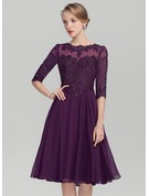 A-Line/Princess Scoop Neck Knee-Length Chiffon Lace Cocktail Dress With Sequins
