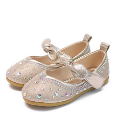 Pike Lukket Tå Flate sko Leather Flate sko Flower Girl Shoes med Rhinestone