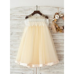 Boho Beach Off Shoulder Champagne Tulle Lace Wedding Flower Girl Knee-length Dress