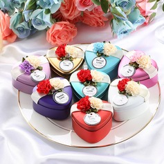 Heart-shaped Tins Favor Tin