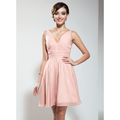 A-Line/Princess V-neck Short/Mini Chiffon Homecoming Dress With Ruffle