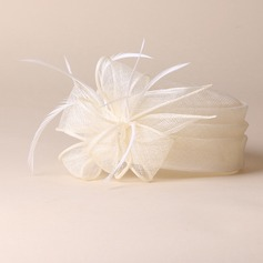 Ladies' Elegant/Simple/Pretty Cambric With Feather Beret Hats
