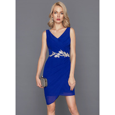 Sheath/Column V-neck Short/Mini Chiffon Cocktail Dress With Lace Beading Sequins (016117259)