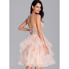 Ball-Gown/Princess V-neck Knee-Length Tulle Homecoming Dress With Beading Sequins (022206513)