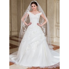 A-Line/Princess Off-the-Shoulder Chapel Train Organza Wedding Dress With Ruffle Beading Appliques Lace Sequins