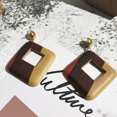 Beautiful Alloy Wood Women's Fashion Earrings (Set of 2)